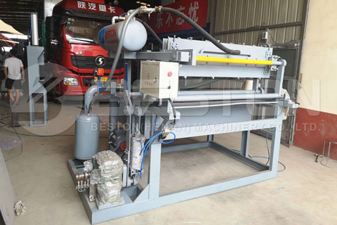 Manual Egg Tray Machine Shipped to Colombia